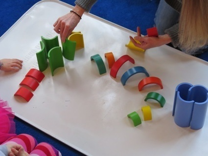 Building and Creating with Curves :: An Easy Kids' Sculpture Activity with Cardboard Tubes - The Artful Parent | Teach Preschool | Scoop.it
