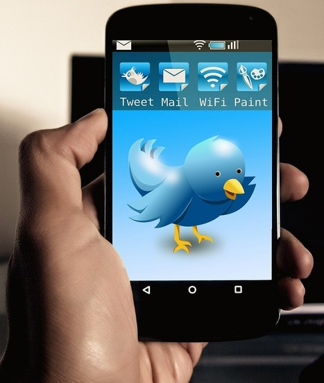 Why I prefer Twitter as a personal learning network   E-Learning Suggestions, Ideas, and Tips   Scoop.it