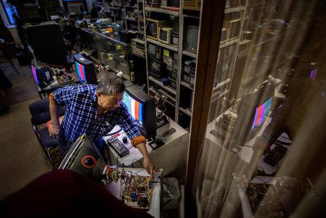 When Art Conservation Means Repairing TVs, Not Canvases /By Jaime Joyce /// #mediaart #artsci | Digital #MediaArt(s) Numérique(s) | Scoop.it