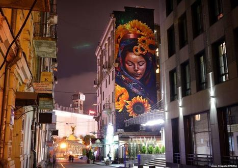 Looking Up: The Giant Art Transforming Kyiv | #Design | Scoop.it