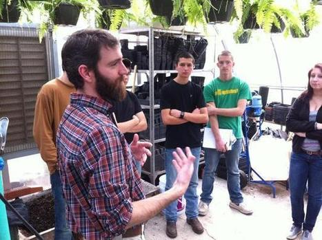 Growing a better tomato, right inside a high school classroom | North Carolina Agriculture | Scoop.it