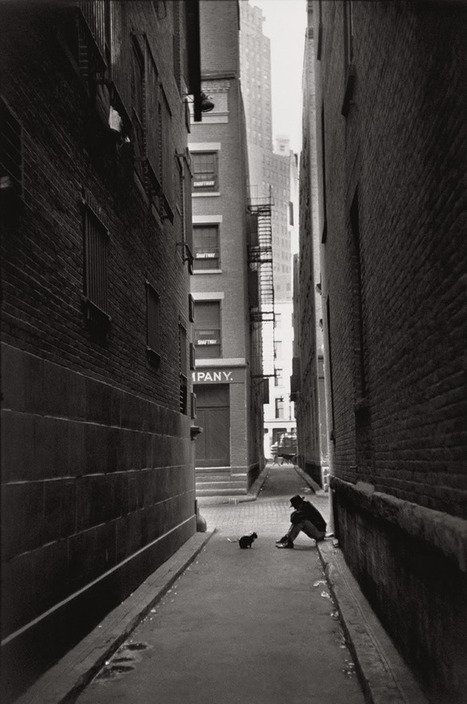 Classic Photography by Henri Cartier-Bresson | #globalcamp | Scoop.it