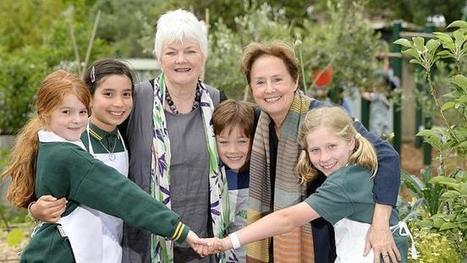Edible garden gurus Stephanie Alexander, Alice Waters tour Westgarth school's kitchen garden   edible landscaping   Scoop.it
