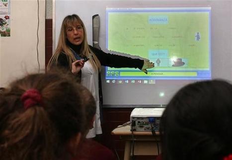 Pizarrón y tizas: los docentes se forman lejos de la tecnología | IncluTICs | Scoop.it