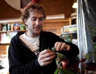 Legalization of medical marijuana in Mass. boosts grow your own movement - Boston Globe | Vertical Farm - Food Factory | Scoop.it
