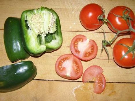 How to Save Your Own Seeds: Vegetable Garden Seed-Saving   Garden Ideas by Team Pendley   Scoop.it