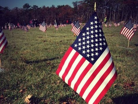 Volunteers Plant 57,000 Flags To Honor Vets At Mass. National Cemetery | Boston, you're my home | Scoop.it