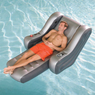 The iPod Stereo Pool Oasis - Hammacher Schlemmer | Stuff that matters to me | Scoop.it