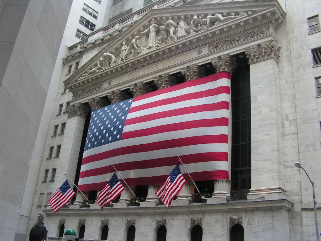 the us economic outlook in the second The median forecast of economists surveyed by bloomberg called for a 25 percent second-quarter increase the report raises the risk to the outlook at a time federal reserve policy makers are.