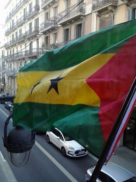 Bandera de STP em Barcelona   São Tomé e Príncipe   Scoop.it