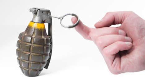 Les médecins lui retirent une grenade logée dans son visage | Mais n'importe quoi ! | Scoop.it