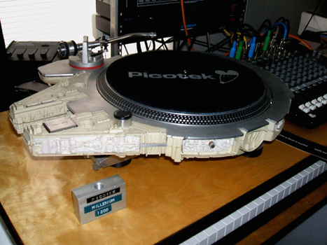 THIS GUY PUT A TECHNICS 1200 TURNTABLE INTO A MILLENNIUM FALCON TOY | L'Empire du côté obscure | Scoop.it