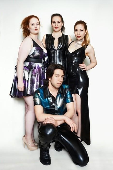 gruppa-lyudey-dlya-seksa