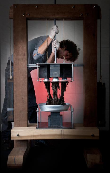 Industrial Designer Jolan Van der Wiel's Magnetic Fabrication Techniques - SolidSmack   e-merging Knowledge   Scoop.it