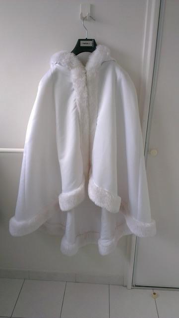 Cape / Fourrure de mariée - Hérault | Robes de mariée d'occasion | Scoop.it