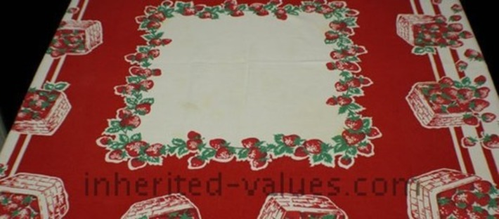 Strawberry Tablecloths Forever | Antiques & Vintage Collectibles | Scoop.it