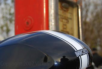 Deja View - Vicki's View Gallery - Novegro Motorcycle Swap Meet, Milan Italy, November 2007 | Ductalk Ducati News | Scoop.it