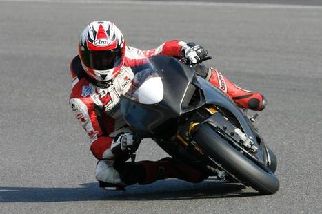 Smart completes full Panigale shakedown at Cadwell |BSN | Ductalk Ducati News | Scoop.it