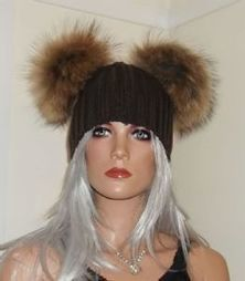 d1d4f27f67c Real Raccoon Fur Pom Beanie Hats with 2 x Large 18cm Poms