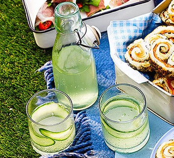Elderflower & cucumber G&Ts - a must have for every Posh Picnic! | Posh Picnics | Scoop.it