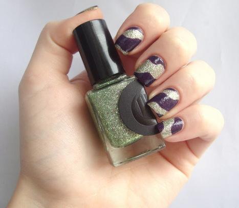 Coco's nails: Cirque Hellebore & AEngland Elaine: le couple parfait! | Nails and manicure | Scoop.it