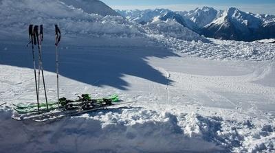 Savoie: Comment les stations de ski utilisent le snowfarming pour survivre face au réchauffement climatique