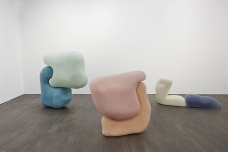 """Nairy Baghramian: """"Déformation professionnelle"""" - S.M.A.K., Ghent 