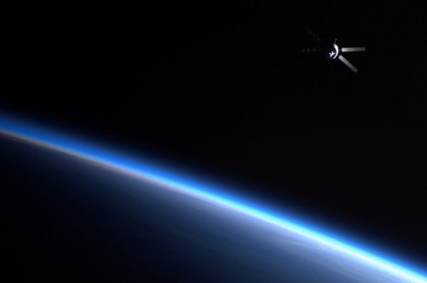 Is This a Scene from Star Wars or a Real Image from the ISS? | Planets, Stars, rockets and Space | Scoop.it