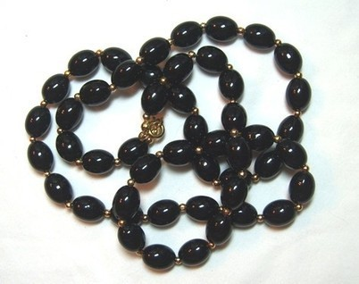 Vintage Black Necklace Black Bead Long Necklace  Every Woman Needs One | Gorgeous Vintage I Crave! | Scoop.it