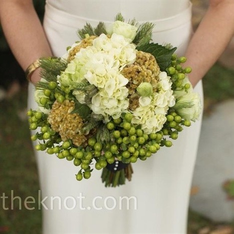 The Natural Look of Green and White | Fabulous Weddings | Scoop.it