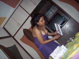 Desi Young Girls Aunty Mobile Hidden Pics