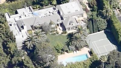 Celebrities and the wealthy find ways to keep home sales secret | Around Los Angeles | Scoop.it