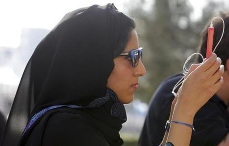 Expulsan de Emiratos Árabes Unidos a una mujer por mirar sin permiso el teléfono de su marido | Multas Sanciones  Fines Sanctions | Scoop.it