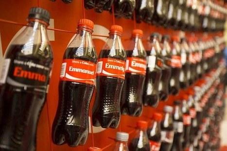 Coca-Colarelance ses ventes grâce aux bouteilles personnalisées | Communication Agroalimentaire | Scoop.it