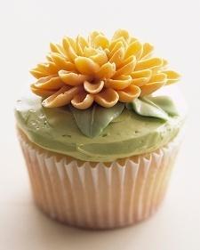 Chrysanthemum Cupcakes - Martha Stewart Food | new baking ideas | Scoop.it