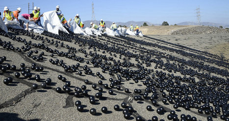 Millions Of 'Shade Balls' Protect LA's Water During Drought | The EcoPlum Daily | Scoop.it