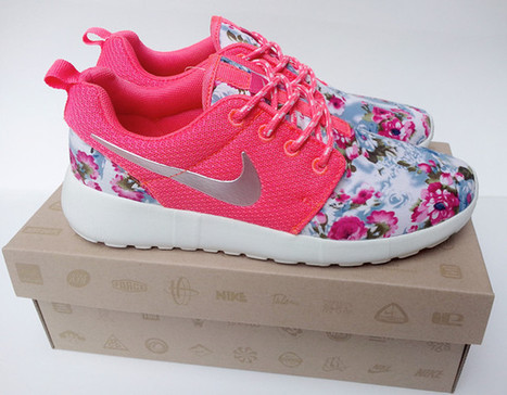 Latest Womens Nike Roshe Run Floral Pink UK Clearance Order  65a72bc95
