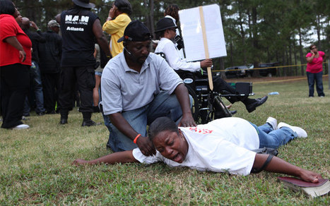 Must see photos of Solidarity as Georgia Kills Troy Davis - COLORLINES   Activism, society and multiculturalism   Scoop.it