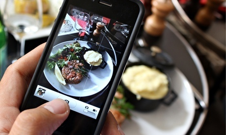Should restaurants ban people from taking photos of their food? | Le Vin Parfait | Scoop.it