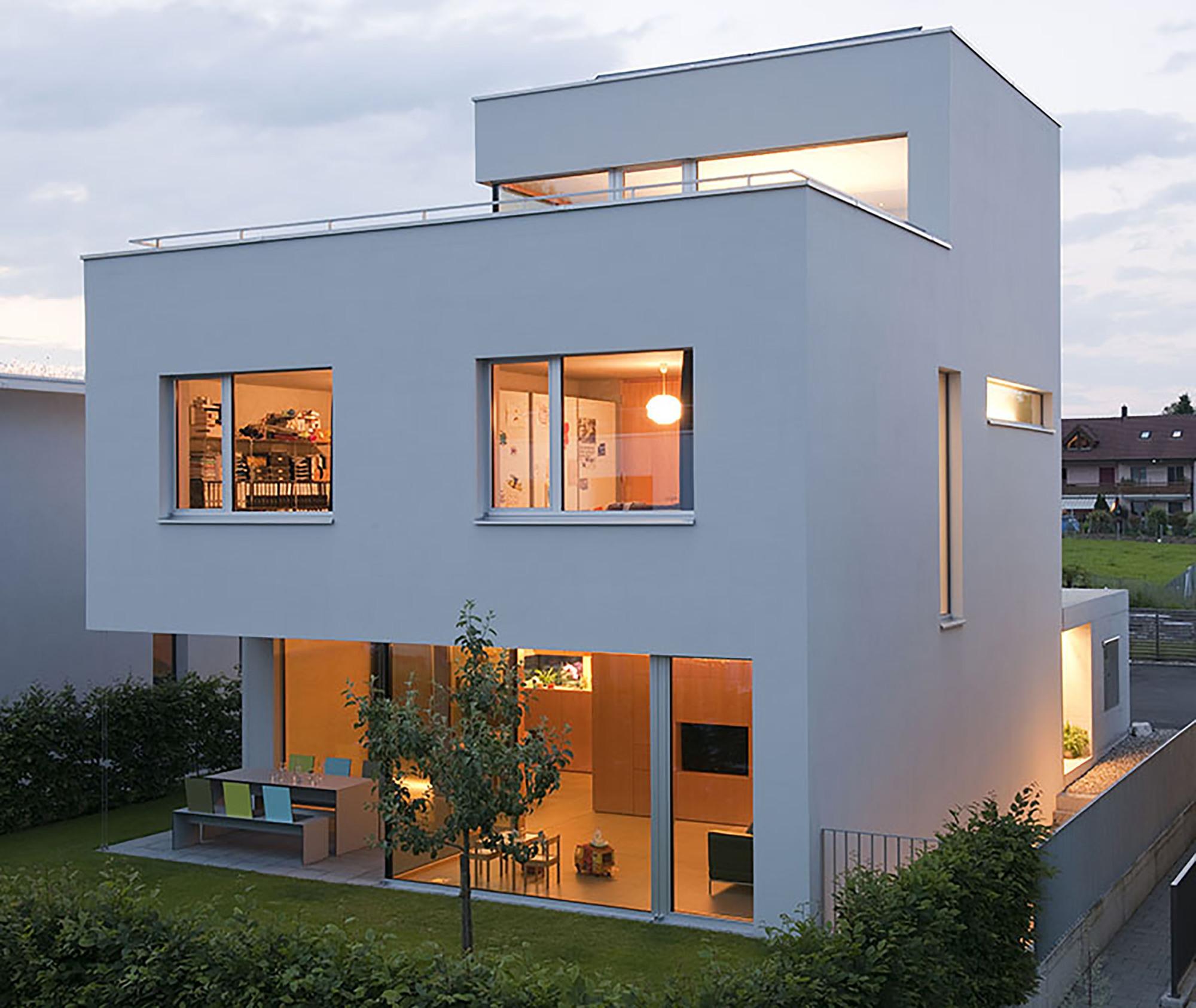Charmante maison contemporaine urbaine suisse for Architecture contemporaine maison