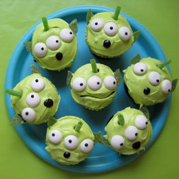 Disney Recipe: Toy Story Green Alien Cupcakes | Food | Disney Baking Recipes | Scoop.it