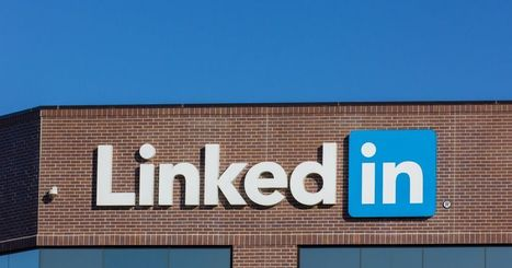 LinkedIn can quietly tell headhunters you want a new job | Software and Services - Free and Otherwise | Scoop.it