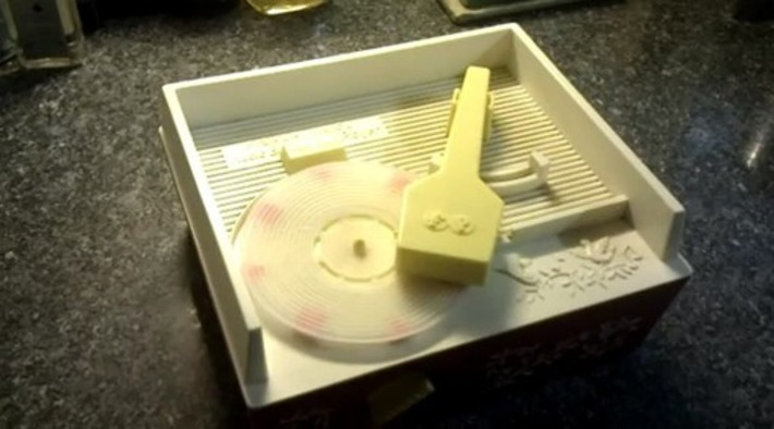 'Still Alive' played on 3D printed record, takes music piracy to complicated new levels | Machinimania | Scoop.it