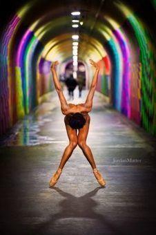 Jordan Matter photographie des danseurs nus dans les rues des grandes villes ! | Photo 2.0 | Scoop.it
