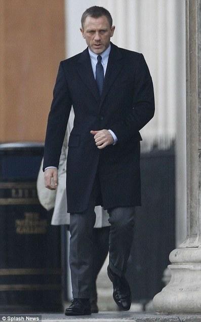 Skyfall James Bond Suit In Celebrities Suits Scoop It