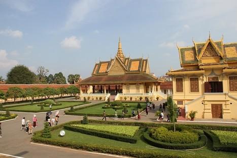 Un séjour au Cambodge, dans un « contraste entre le vert des feuilles et le rouge des fleurs » …   Circuits et voyages Cambodge   Scoop.it