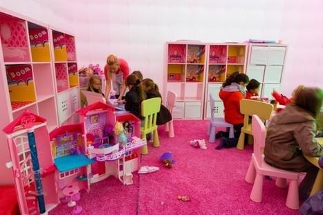Barbie part à la rencontre des petites filles avec son camping-car rose   streetmarketing   Scoop.it