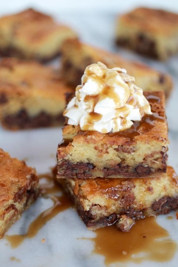 Kentucky Derby Pie Chocolate Chip Cookie Bars
