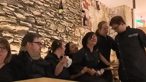 VIDEO. A Nantes, un restaurant emploie des salariés trisomiques en salle et en cuisine | Remue-méninges FLE | Scoop.it