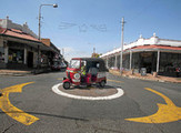 Cheap-cheap tuk-tuk taxis take over Jozi - Mail & Guardian Online | Vespa Stories | Scoop.it